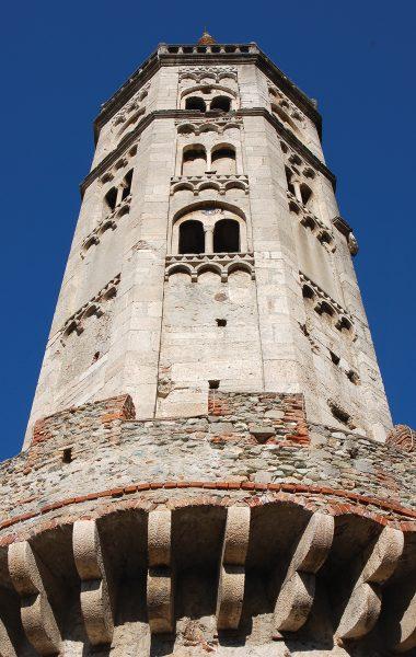 finale-ligure-chiesa-san-biagio-campanile-finalborgo-mudif-02